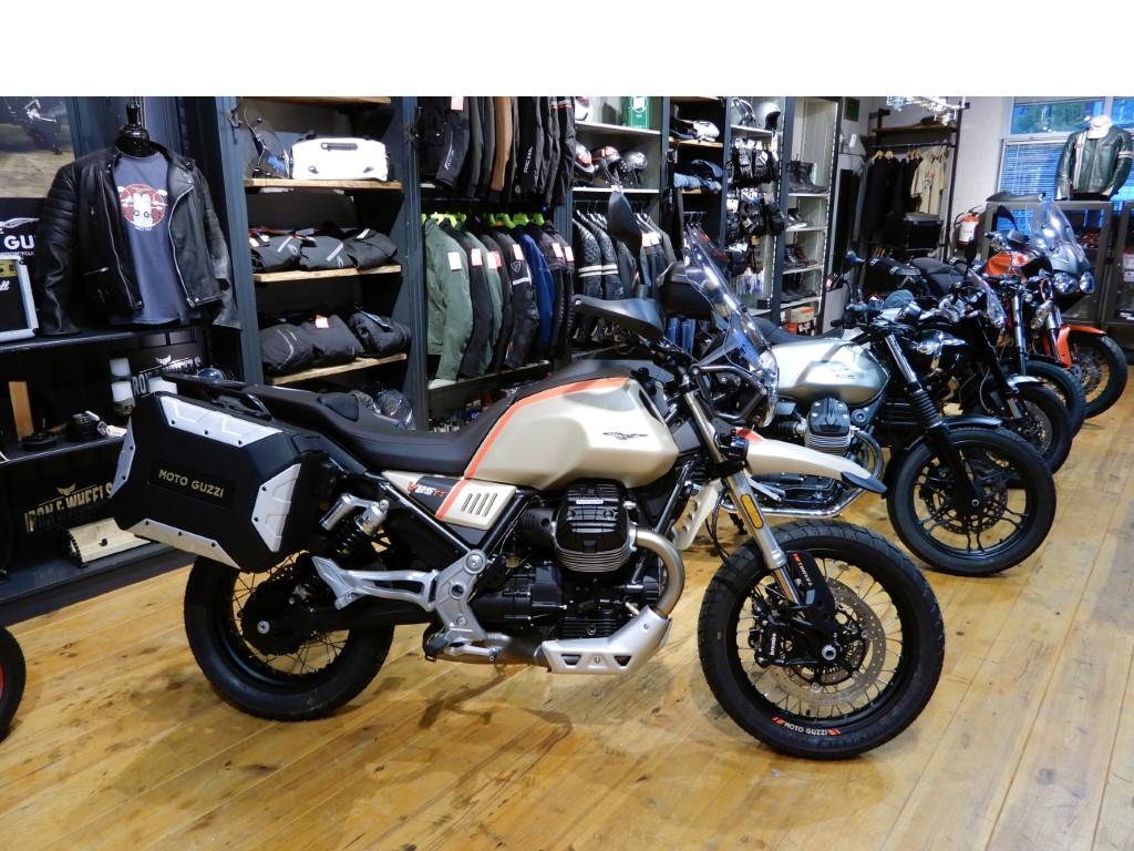 Moto Guzzi V85 TT De Motorzaak Amsterdam